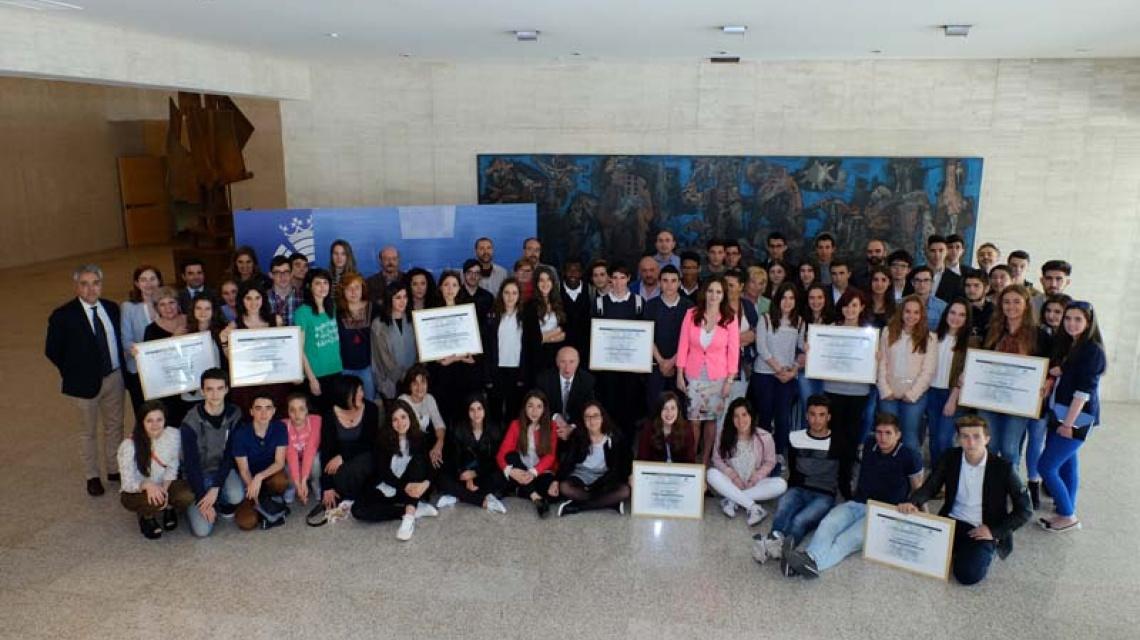 Foto de grupo con todos los equipos galardonados