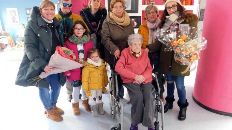 101 cumpleaños de Julia Peña Ruíz. Tercera Actividad Aguilar