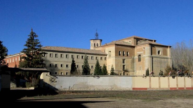 Vista exterior del monasterio de San Zoilo en Carrión de los Condes (Palencia)
