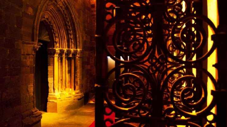Vista nocturna. Iglesia de Santa María de Mave