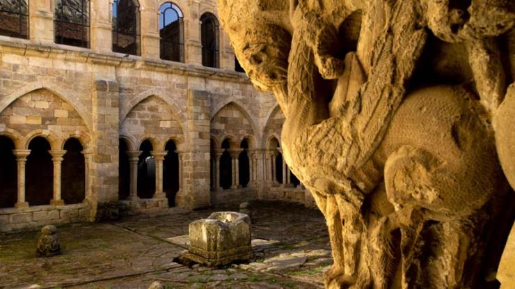 Vista del claustro del Monasterio de Santa María la Real