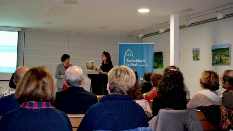 Un momento de la charla de Zoa Escudero con los Amigos del Patrimonio